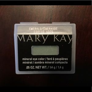 🆕 Mary Kay Mineral Eye Color - Emerald
